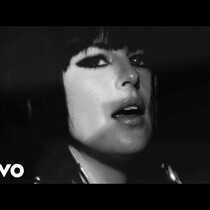 New Video-Phantogram-Fall In Love
