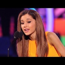 Ariana Grande Wins BIG at Kids Choice Awards 2014!