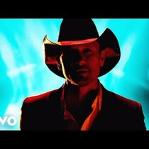 NEW VIDEO: Tim McGraw 'Lookin' For That Girl'!