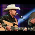 Justin Moore Scolds Fan Who Mistreats a Woman