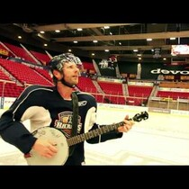 Dierks loves his banjo