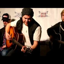 Eli Young Band acoustic performance at KAT 103 Listener lounge