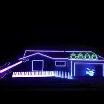 Music Teacher Creates Amazing Christmas Light Show