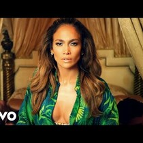 JLo is KILLING it in this video. HAWT!!!