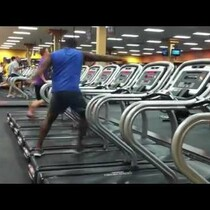 WATCH: Guy dancing on a treadmill at the gym