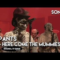 'HERE COME THE MUMMIES' in the studio with 'BOB & TOM' (Don't miss 'em at Busters Friday 2/21!)