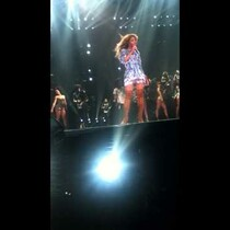 Jay Z Sneaks Beyonce A Kiss On Stage In Philly [VIDEO]