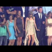 Taylor brings out TSwizzle at CMT Awards