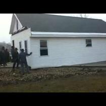 80 Amish men LIFT A HOUSE