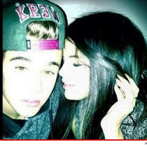 The Biebs Posts Cuddly Pic With Selena On Instagram....Then deletes it BUT B95's got it!!!