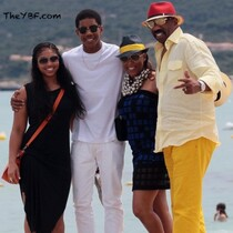 Steve Harvey And The Fam Hit The Beach!
