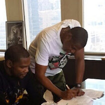 Kevin Durant Officially Signs with Roc Nation