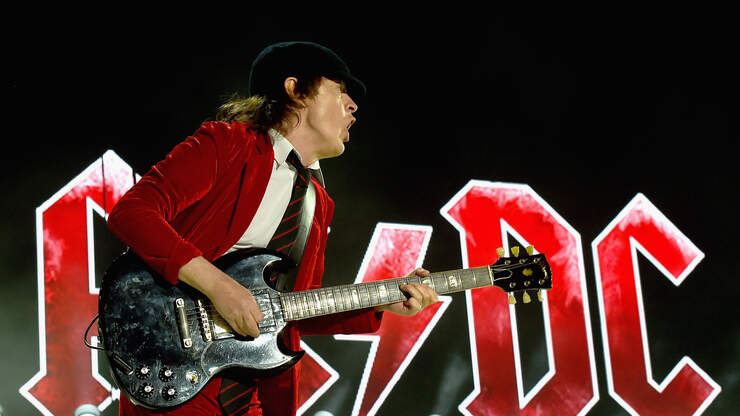 Guns' N' Roses Posts Touching Photos For AC/DC's Angus Young