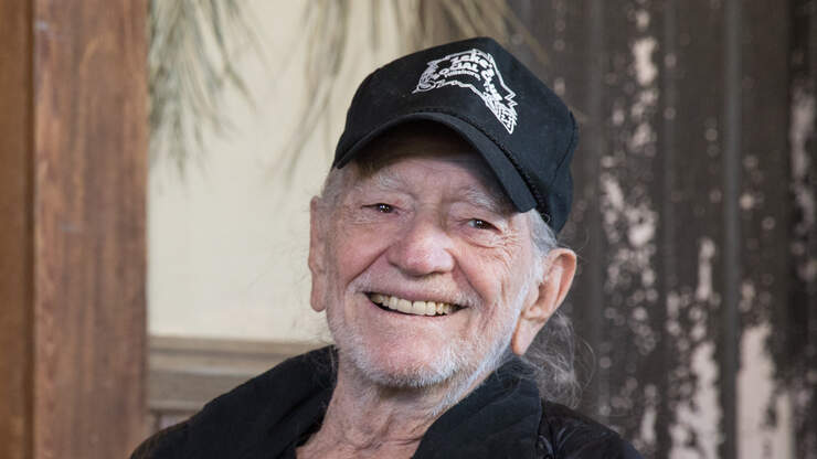 Willie Nelson pens official letter to make 4/20 a national holiday
