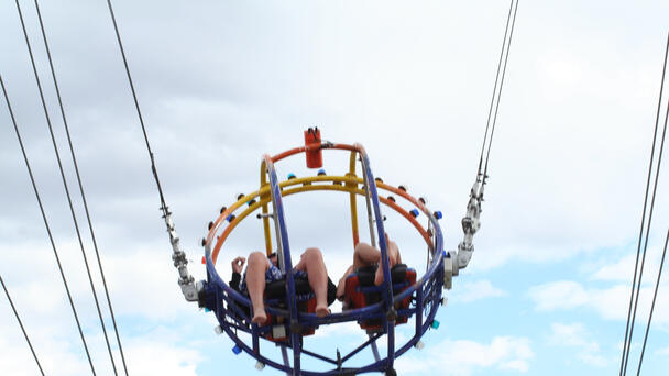 VIDEO: Seagull collides with slingshot rider's face