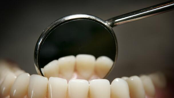 If You Don't Rinse Your Teeth First, You're Doing It Wrong