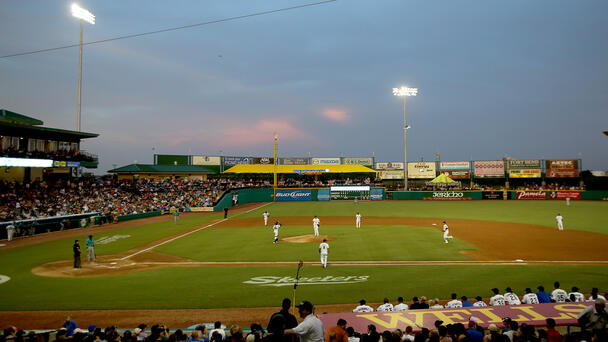 Skeeters Clinch Divisional Title with Win over Albuquerque