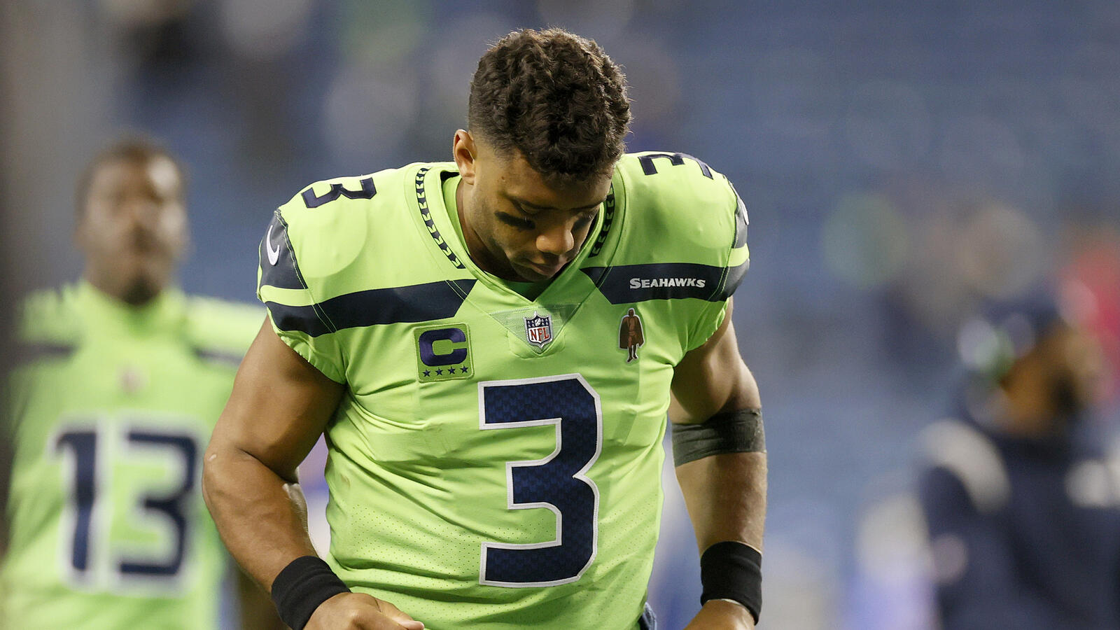 Report: Seahawks expect Russell Wilson to miss at least a month