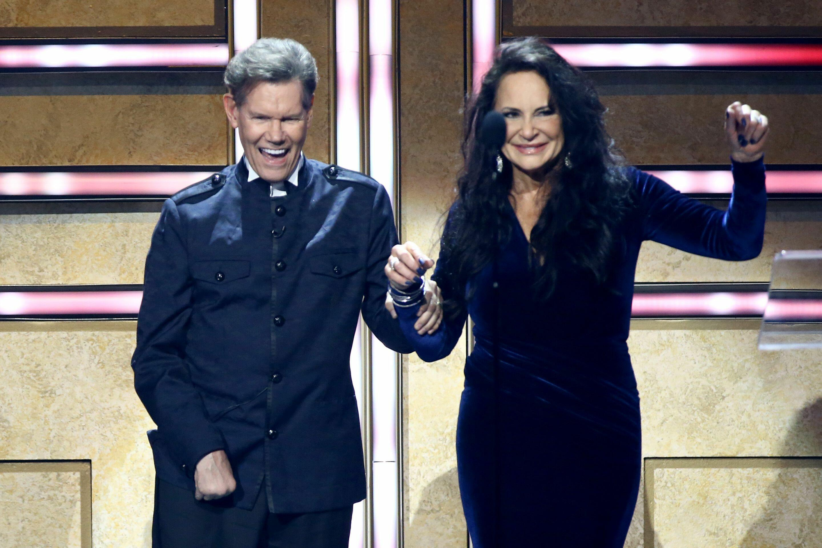 8 High Notes from CMT's 'Artists Of The Year'