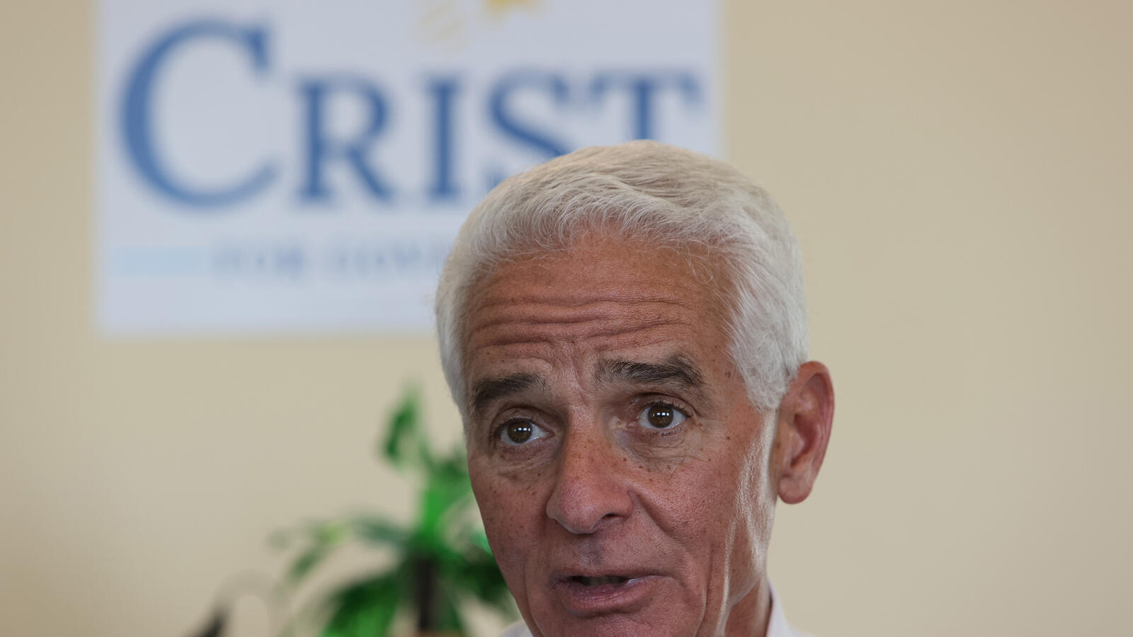 Charlie Crist Wants Surgeon General Ladapo to Resign Over Mask Flap