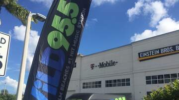 Photos - Wild 95.5 at T-Mobile with Kelsi