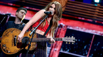 Bobby Bones - Tenille Townes Details Car Theft Incident, Firefighters Who Helped