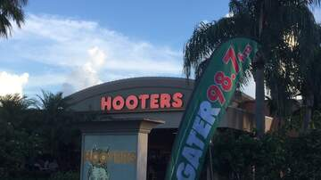 Photos - Gater 98.7 at Hooters in Boca with Andy