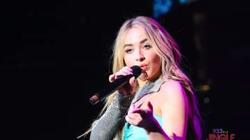 93.3 FLZ's Jingle Ball - #FLZJingleball Sabrina Carpenter Performing Inside Amalie [Photos]