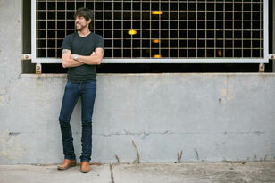 INTERVIEW: Chris Janson Talks 'Holdin' Her' | Music You Should Know