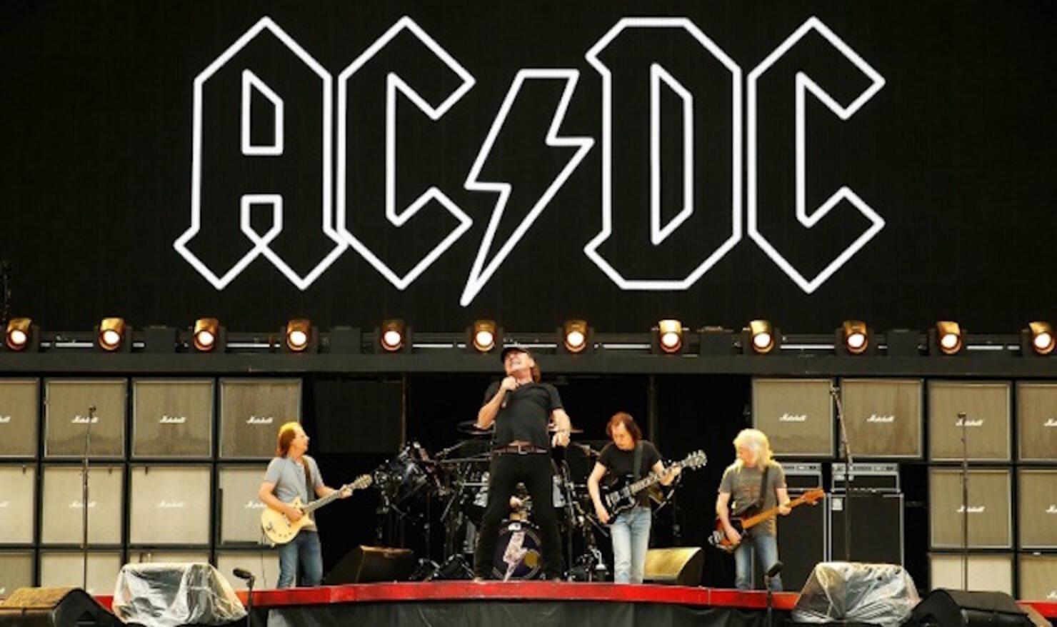 AC/DC 2015