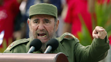 Manny's - Fidel Castro Lookalike Arrives at Miami International Airport