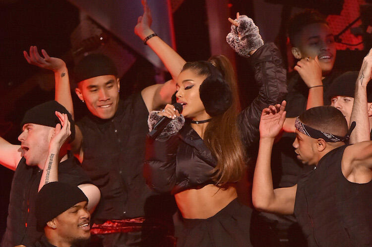 twas the night we christmas chilled with ariana grande at iheartradio jingle ball iheartradio