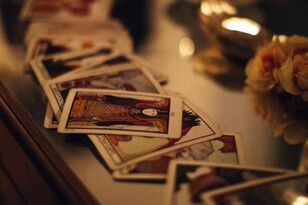 Celebrity Psychic Tarot Readings For 2017: Kanye West, Britney Spears & More