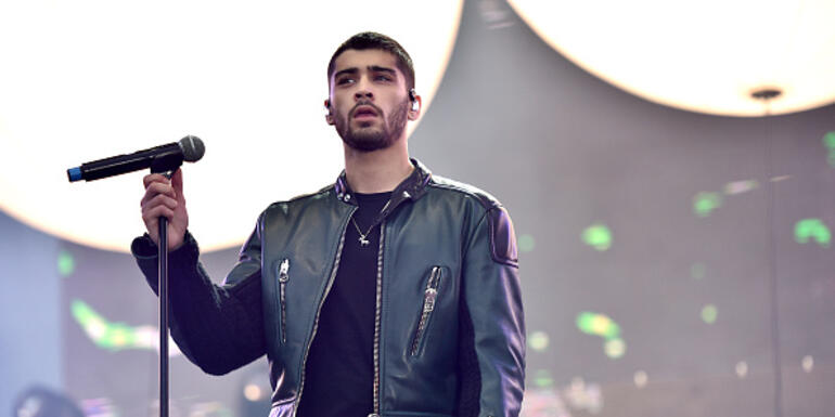 What Caused Zayn to be Dropped From His Management Group?
