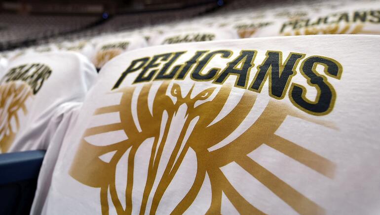Pelicans Start Endurance Test Against Mavericks