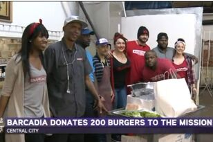 NEW ORLEANS BAR DONATES BURGERS TO THE HOMELESS