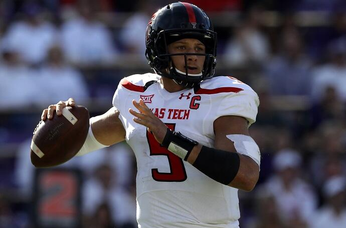 FORT WORTH, TX - OCTOBER 29:  Patrick Mahomes II #5 of the Texas Tech Red Raiders throws against the TCU Horned Frogst in the first half at Amon G. Carter Stadium on October 29, 2016 in Fort Worth, Texas.  (Photo by Ronald Martinez/Getty Images)
