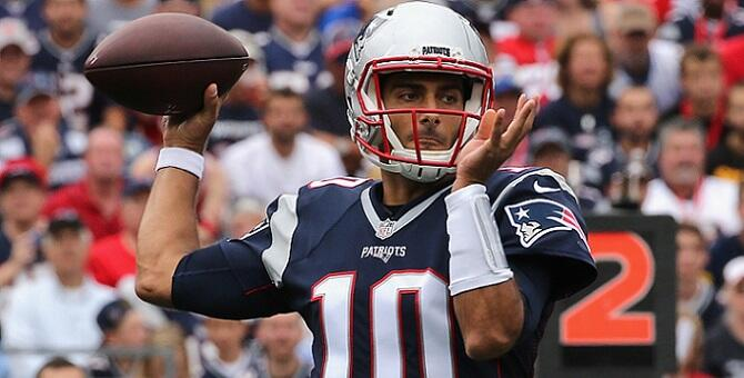 FOXBORO, MA - SEPTEMBER 18:  Jimmy Garoppolo #10 of the New England Patriots throws a pass during the first half against the Miami Dolphins at Gillette Stadium on September 18, 2016 in Foxboro, Massachusetts.  (Photo by Jim Rogash/Getty Images)