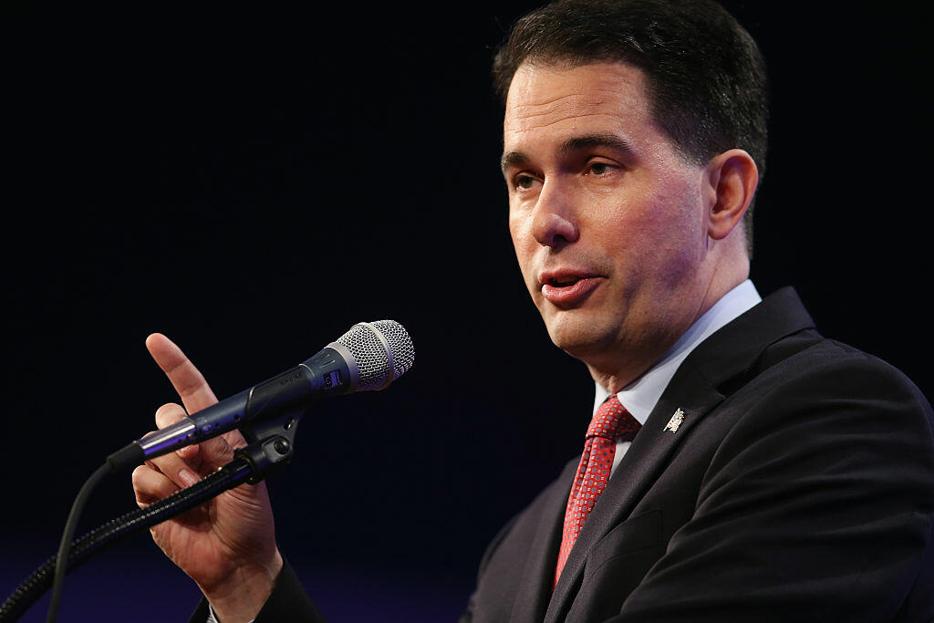 DES MOINES, IA - MAY 16:  Wisconsin Governor Scott Walker speaks to guests gathered for the Republican Party of Iowa's Lincoln Dinner at the Iowa Events Center on May 16, 2015 in Des Moines, Iowa. The event sponsored by the Republican Party of Iowa gave several Republican presidential hopefuls an opportunity to strengthen their support among Iowa Republicans ahead of the 2016 Iowa caucus.  (Photo by Scott Olson/Getty Images)