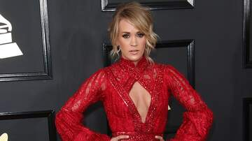 Michelle Buckles - Pregnant Carrie Underwood Gets Some Help Tying Her Shoes