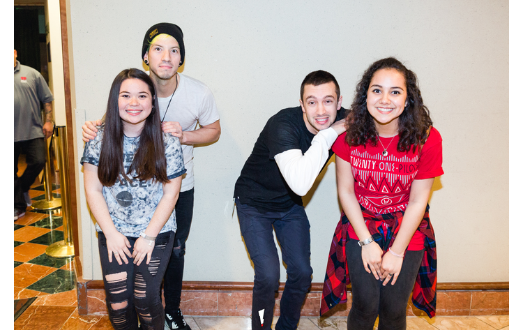 Twenty one pilots meet and greet alt 987 twenty one pilots meet and greet m4hsunfo