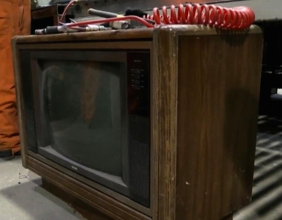 An employee at a Canadian recycling plant hit the jackpot when he found more than $100-thousand stashed inside an old TV set.