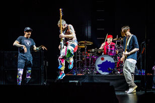 RED HOT CHILI PEPPERS Postpone Some Shows Because Anthony's Sick
