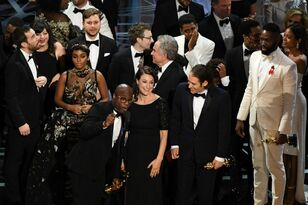 'Moonlight' Defeats 'La La Land' For Best Picture In Most Epic, Awkward Oscars Moment Ever