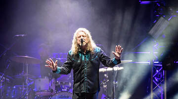 Jim Curtis - Robert Plant does live solo rendition of Kashmir