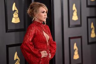 How Carrie Underwood's Spending Her Break, According to Twitter