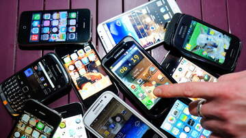 The Boxer Show - Randoms-Most Consider Smartphone a part of Body & More Nutty Studies