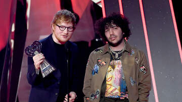 Ryan Seacrest - Ed Sheeran Accepts Justin Bieber's 'Love Yourself' Win For Best Lyrics at #iHeartAwards