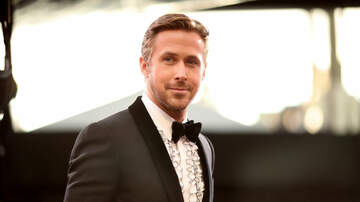 Ray Styles - FAKE Ryan Gosling Sneaks Into Award Show, Accepts Award!!!