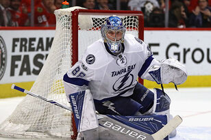 Bolts Clobber Flyers For 3rd Straight Victory